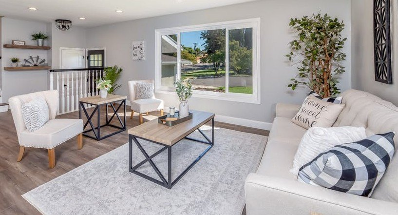 contemporary sofa & tables